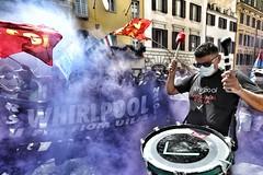 Manifestazione nazionale dei lavoratori del gruppo Whirlpool per l'avvio della procedura di licenziamento collettivo nello stabilimento di Napoli