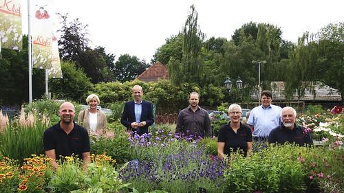 Besuch des Gartenbauunternehmens Blumen Klefer in Augustfehn mit dem örtlichenn SPD-Fraktionsvorsitzenden Björn Meyer.
