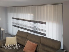 """VENTANA AMPLIA CON VERTICALES DECORATIVAS • <a style=""""font-size:0.8em;"""" href=""""http://www.flickr.com/photos/67662386@N08/51330240969/"""" target=""""_blank"""">View on Flickr</a>"""
