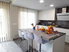 """COCINA MODERNA CORTINAS VERTICALES • <a style=""""font-size:0.8em;"""" href=""""http://www.flickr.com/photos/67662386@N08/51332513455/"""" target=""""_blank"""">View on Flickr</a>"""