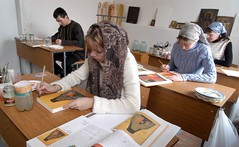 8 Занятия на кафедре иконописи Отделения церковных искусств. 2006 г.