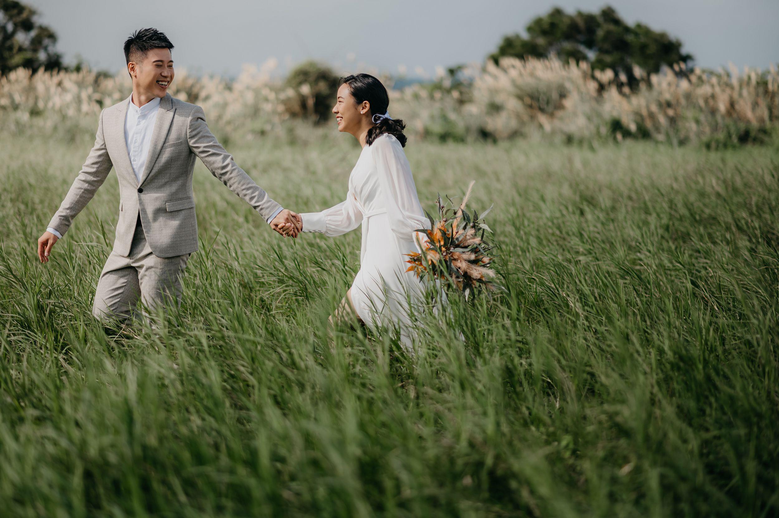 貳月婚紗,攝影師,婚紗外拍,婚紗包套,造型師,台北婚紗,淡水,海邊,故宮,白紗,西服,美式婚紗,
