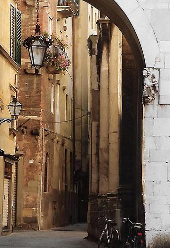 Lucca, Via Calderia