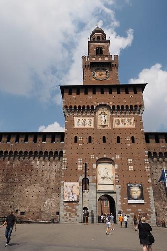 Entrance ot the Sforza castle, Milan, Italy ;-) Entrée du chateau des Sforza ;-)