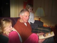 dad-reading-night-before-xmas
