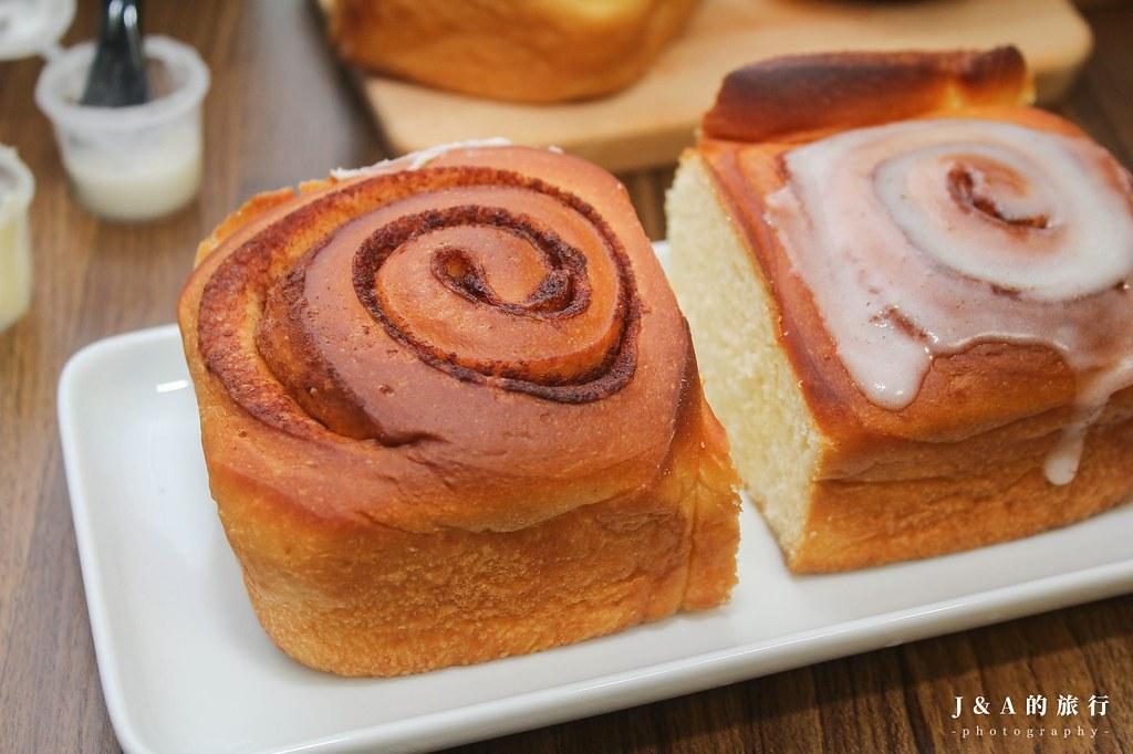 Miss V Bakery。冠軍肉桂捲你吃過了嗎?外酥內軟、肉桂香濃郁迷人 @J&A的旅行