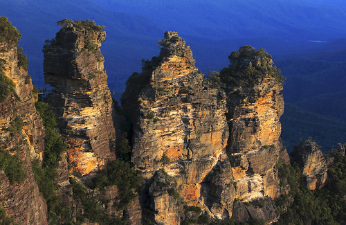The 3 Sisters : Late evening . . .