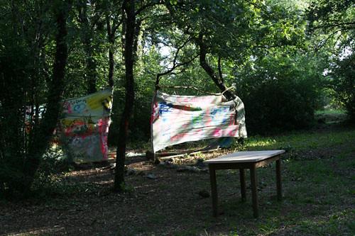Graffitis sur bâche Fontgombault