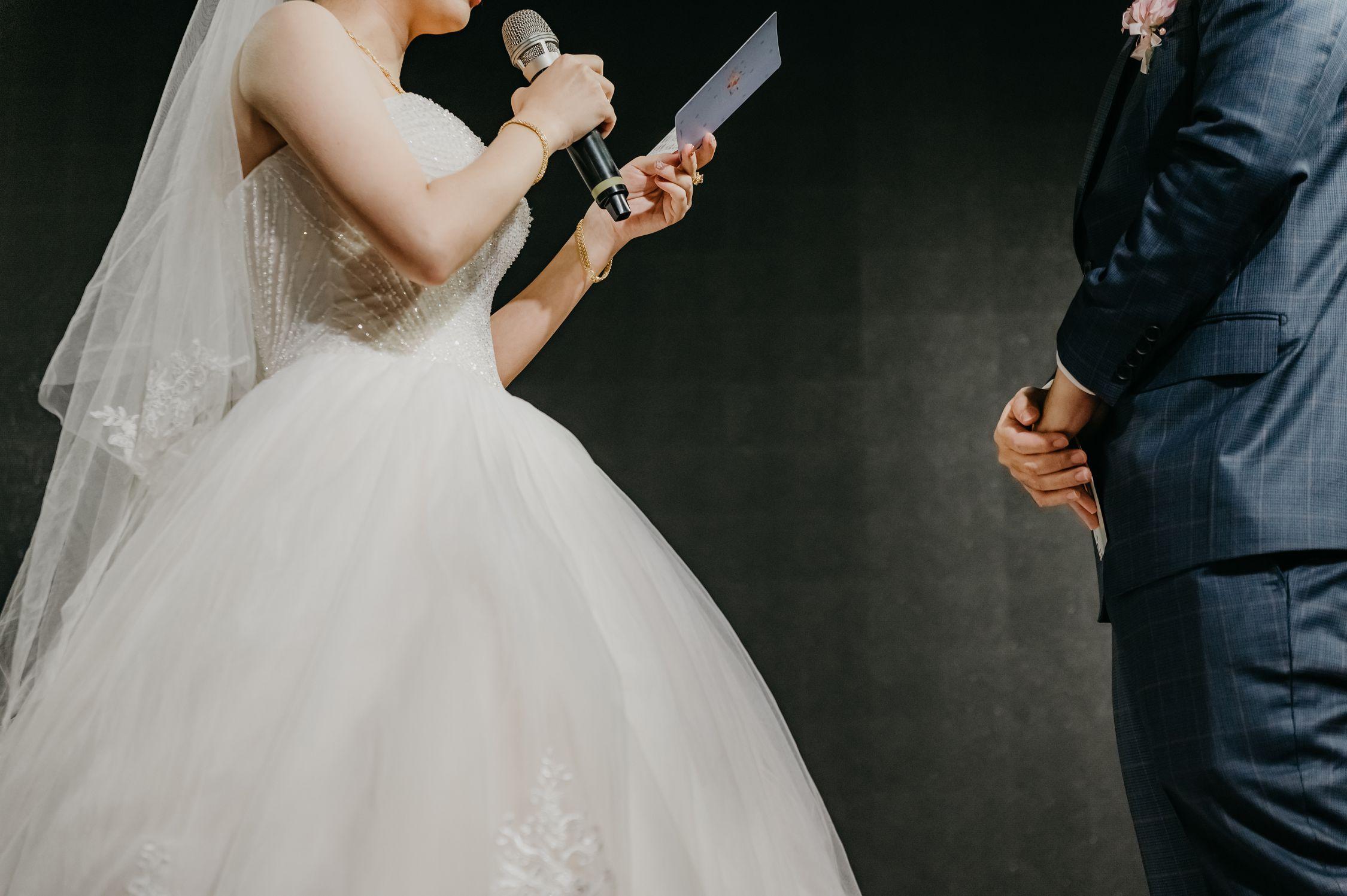 桃園婚攝,婚攝,婚禮攝影師,雙機,女方開拍,男方開拍,類婚紗,奉茶,闖關,儀式,阿沐,Amour,拜別,新娘物語推薦,ptt推薦,中式婚禮,美式拍攝,婚禮錄影,新秘,造型師,婚錄,交換戒指,誓詞,