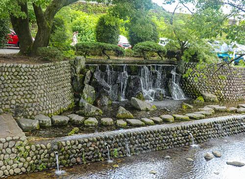 Vodopád v podhradí