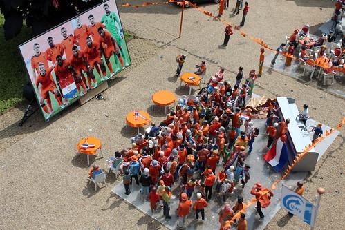 Madurodam: football fans watching the Orange team
