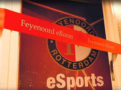 100m Rood Lint met Wi bedrukt opening eRoom Esporters De Kuip Fyenoord Rotterdam