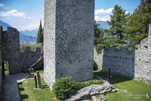 Castello di Vezio   Cortile