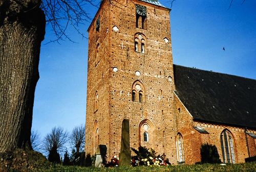 """Nikolaikirche (Burg auf Fehmarn) 1990er (03) • <a style=""""font-size:0.8em;"""" href=""""http://www.flickr.com/photos/69570948@N04/51389815821/"""" target=""""_blank"""">Auf Flickr ansehen</a>"""