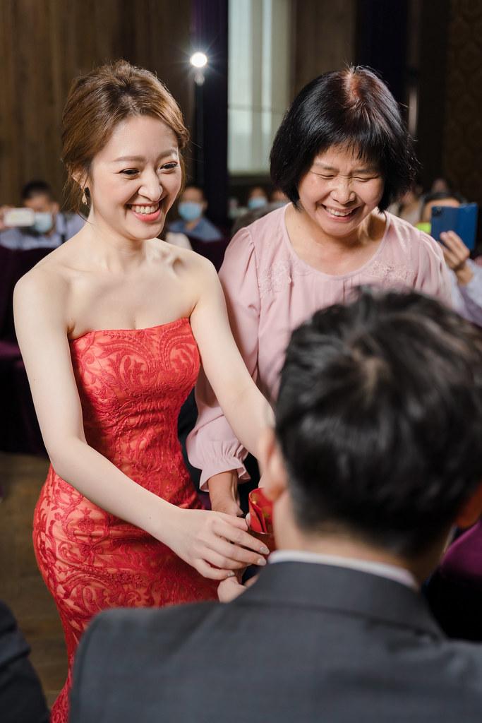 婚攝,婚禮紀錄,婚禮攝影,鯊魚團隊,雙儀式,迎娶,訂婚,闖關,君品酒店,美式婚禮,台北婚攝