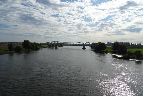 20210815 03 Maas bij 's-Hertogenbosch - Spoorbrug