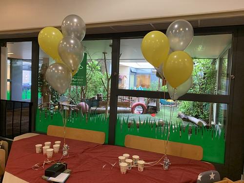 Tafeldecoratie 5ballonnen 20 Jaar Kinderdagverblijf Small Kidz Rotterdam