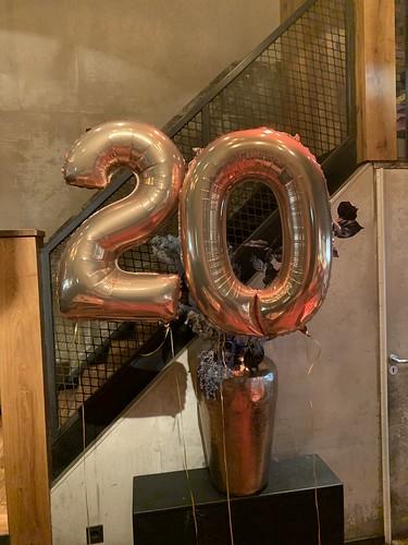 Folieballon Cijfer 20 Verjaardag Cafe in the City Rotterdam