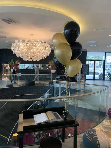 Tafeldecoratie 7ballonnen Mainport Hotel Rotterdam