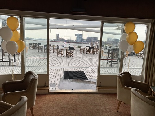 Tafeldecoratie 6ballonnen Gronddecoratie SS Rotterdam