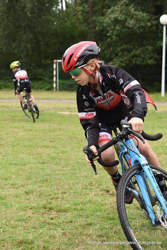 Avia-Rudyco-Janatrans Cycling Team (33)
