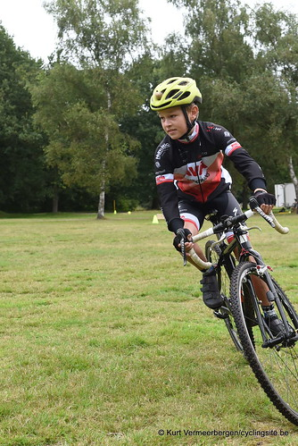 Avia-Rudyco-Janatrans Cycling Team (18)