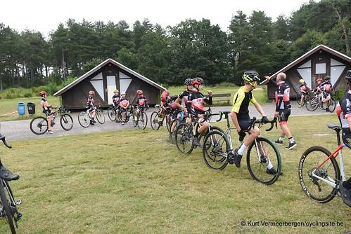 Avia-Rudyco-Janatrans Cycling Team (4)