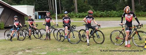 Avia-Rudyco-Janatrans Cycling Team (3)