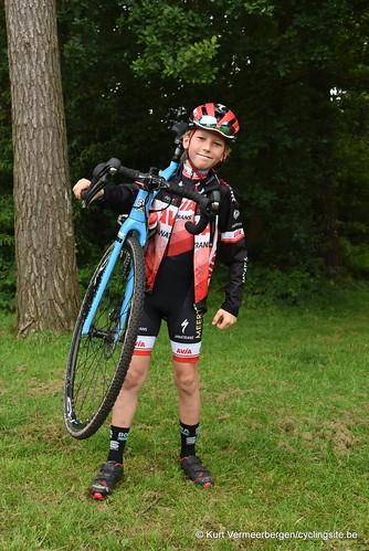 Avia-Rudyco-Janatrans Cycling Team (357)
