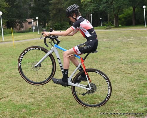 Avia-Rudyco-Janatrans Cycling Team (44)