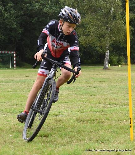 Avia-Rudyco-Janatrans Cycling Team (12)