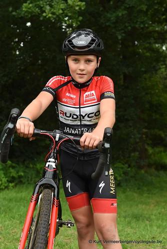 Avia-Rudyco-Janatrans Cycling Team (413)