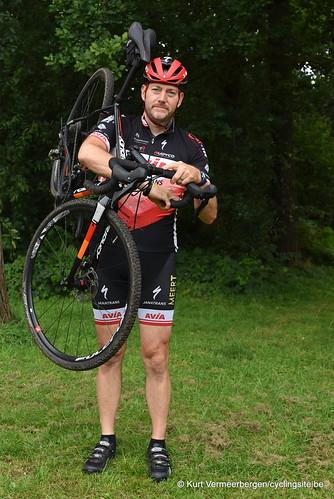 Avia-Rudyco-Janatrans Cycling Team (393)