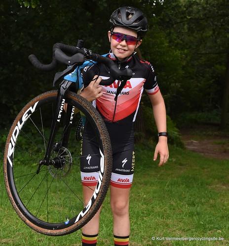 Avia-Rudyco-Janatrans Cycling Team (257)