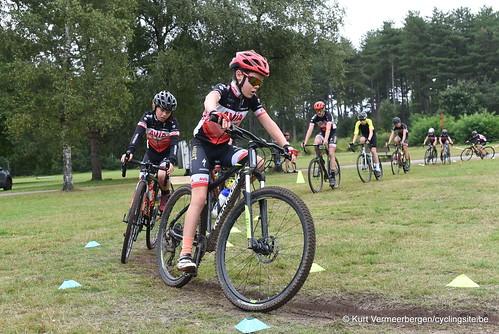 Avia-Rudyco-Janatrans Cycling Team (229)