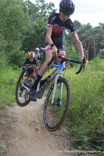 Avia-Rudyco-Janatrans Cycling Team (77)