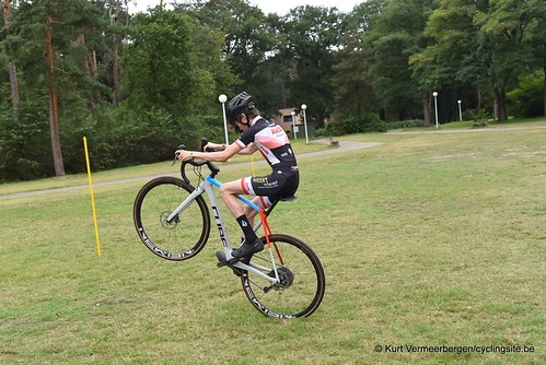 Avia-Rudyco-Janatrans Cycling Team (45)