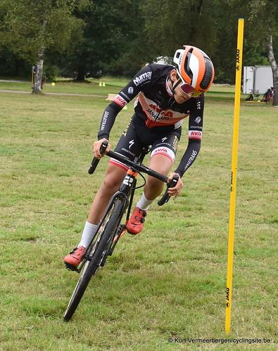 Avia-Rudyco-Janatrans Cycling Team (5)