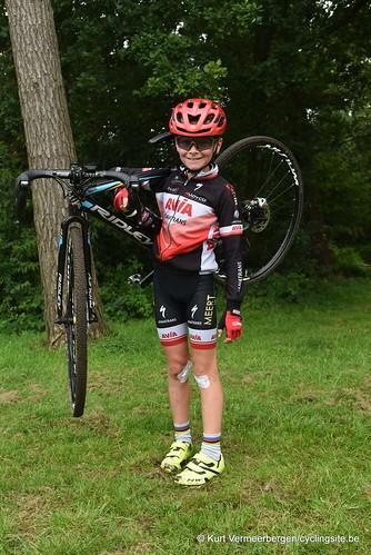 Avia-Rudyco-Janatrans Cycling Team (425)