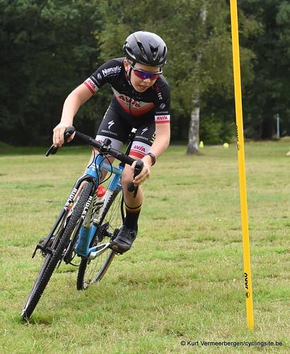 Avia-Rudyco-Janatrans Cycling Team (10)