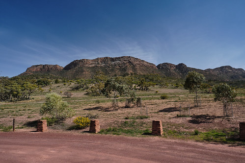 Flinders Ranges view, near the entrance