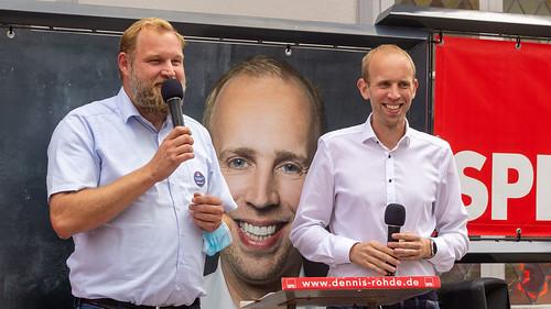 Innenstadtbühne in der Oldenburger Fußgängerzone mit dem Fraktionsvorsitzenden der SPD-Fraktion im Stadtrat, Ulf Prange.