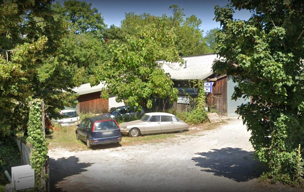 Garage de Fontgombault
