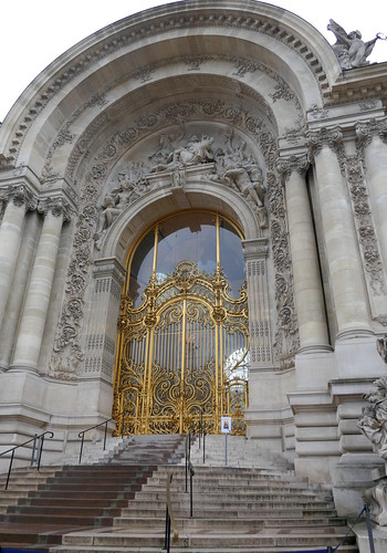 Entrée, Petit Palais, 1900, avenue Winston Churchill, Paris VIIIe, France.