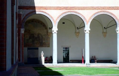 inside Milan 441
