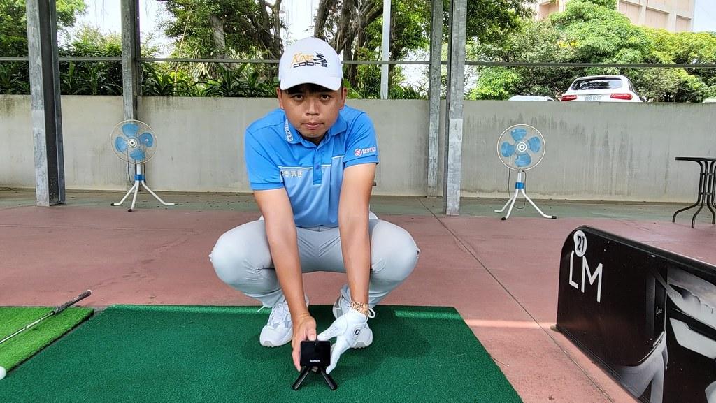 曾拿下TPGA錦標賽三連冠的高球好手洪健堯表示,Approach R10規律地紀錄我的擊球數據,可作為調整高爾夫球具的精準依據,大幅提升練球效率
