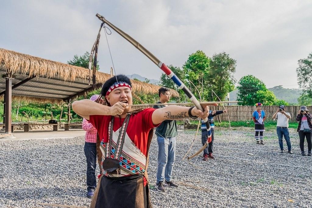 (圖5)在「逐鹿傳說梅花鹿園」深入體驗獵人射箭、逐鹿圍獵的傳統,了解鄒族獨特歷史文化
