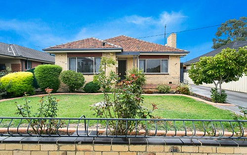 78 Bowes Av, Airport West VIC 3042