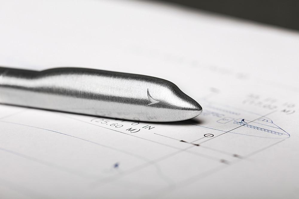 波音747-400-客機回收鋁材金屬筆和卡片盒套裝-9