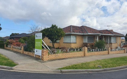 131 Bowes Av, Airport West VIC 3042
